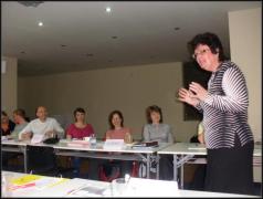 Paní Miluše Urbanová, lektorka semináře, v akci