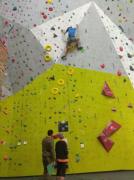Závody ostravských škol v lezení na umělé stěně